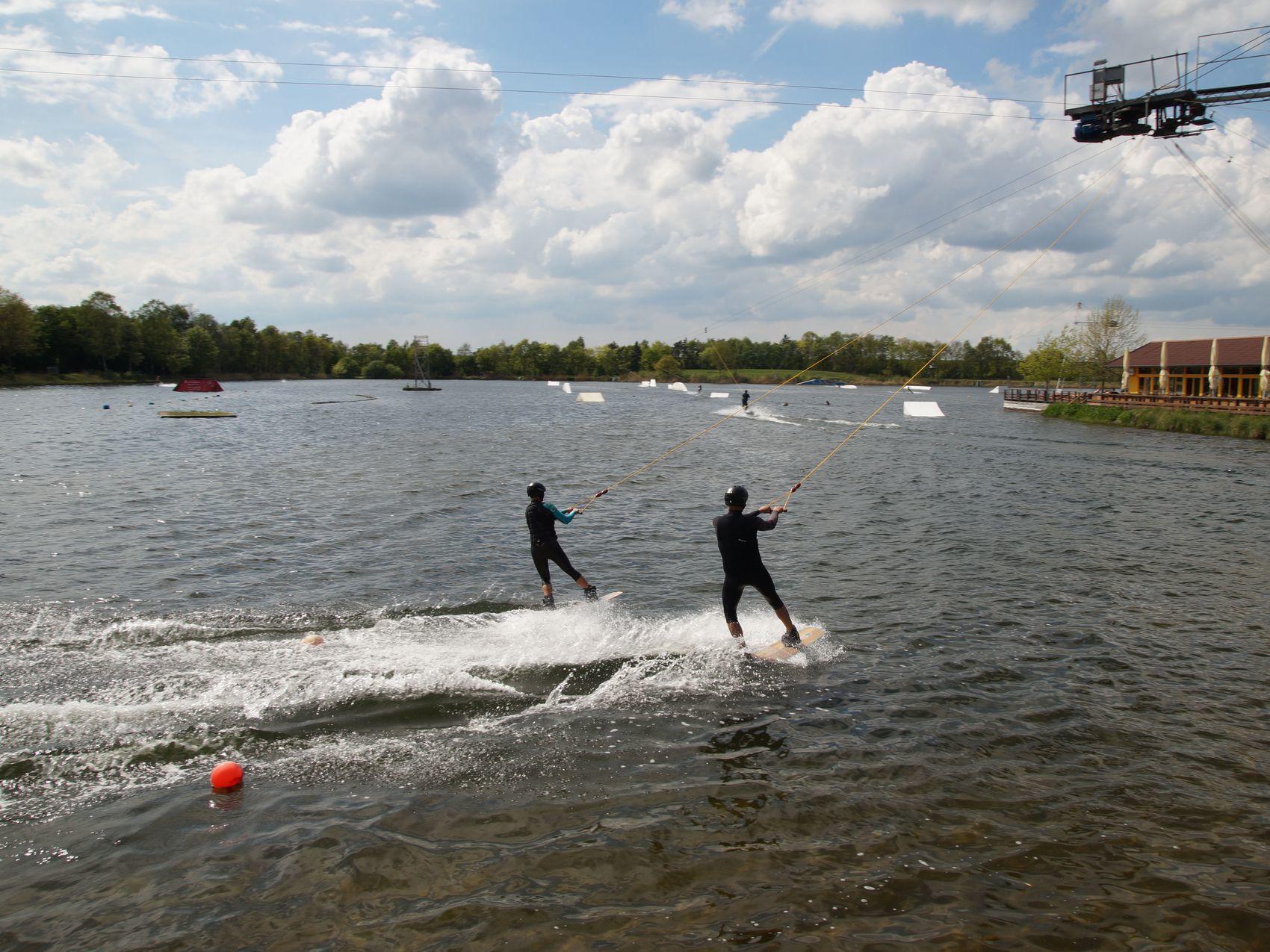 Waterskieen en lekker spelen aan de Alfsee