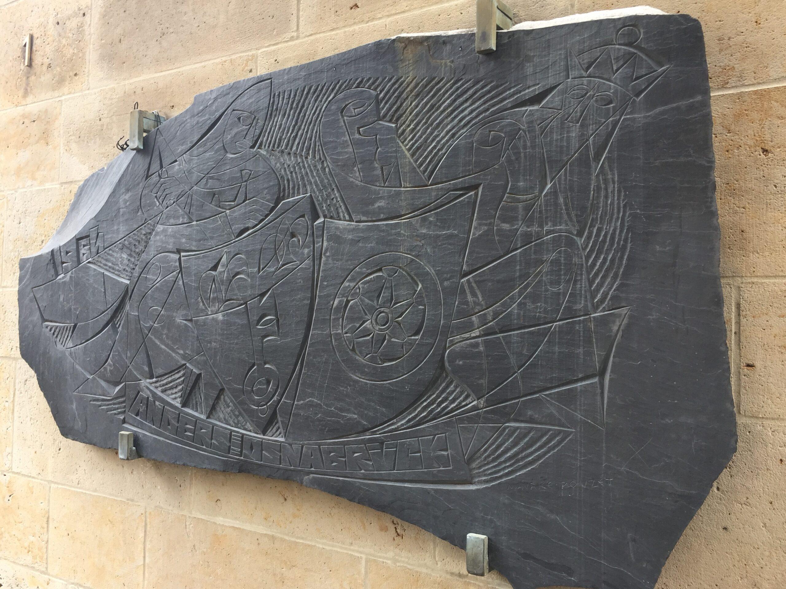 Leisteengravure Maurice Pouzet (c) Ingrid Bosman